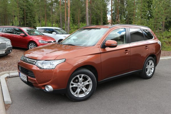 Mitsubishi Outlander 2.2 DI-D Instyle ClearTech 4WD (150 hv / 380 Nm)